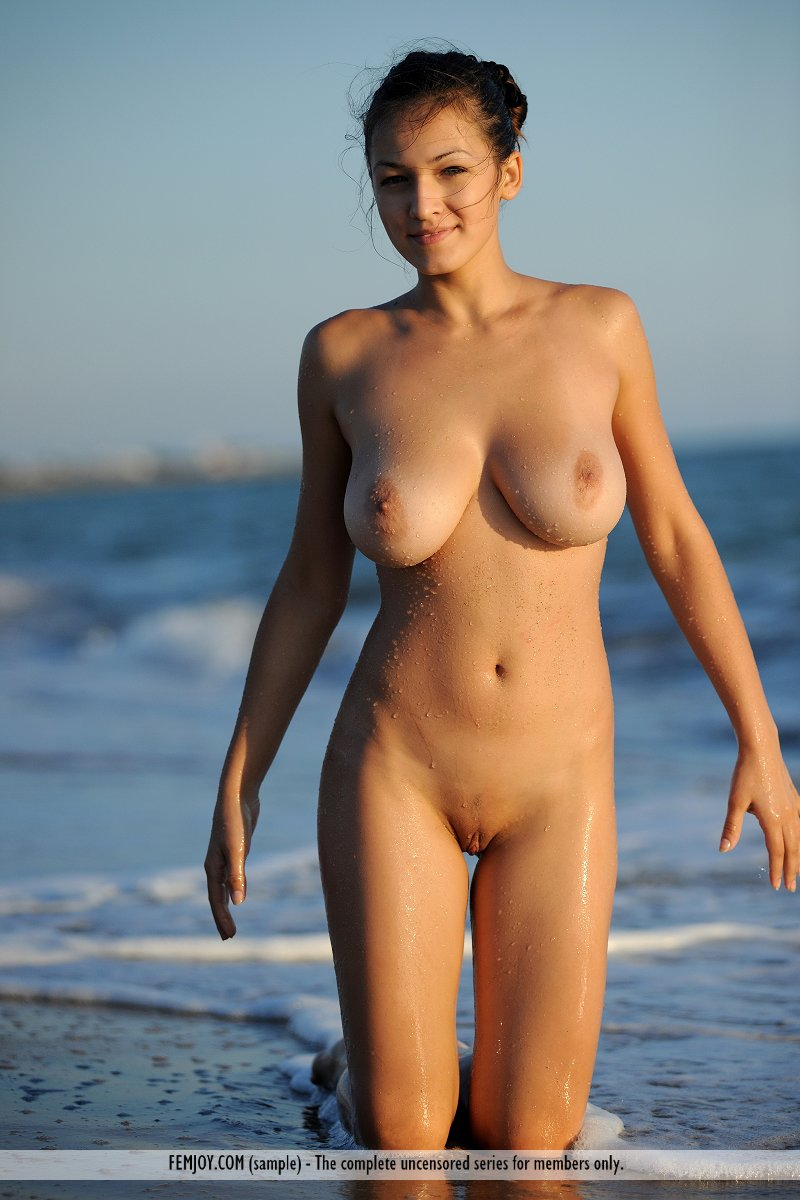 Beautiful Big Breasts Nude Beach Babe